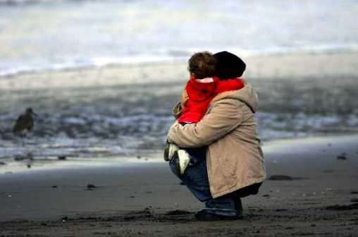 father-daughter-beach